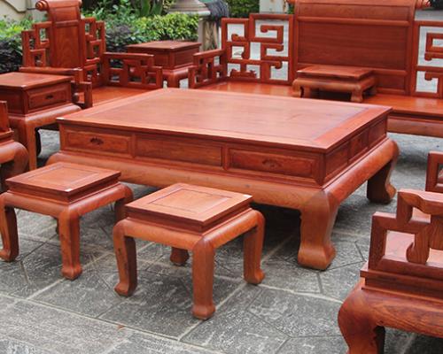家居市场竞争激烈 实木家具加盟店营销技巧